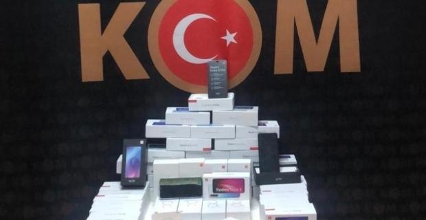 110 bin TL değerinde gümrük kaçağı telefon ele geçirildi