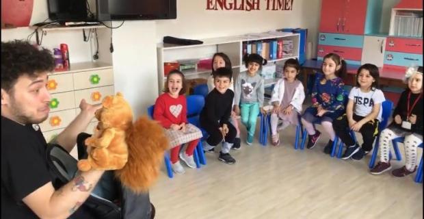 Bilgi Köprüsü Kids'de vantrologlu İngilizce eğitimi