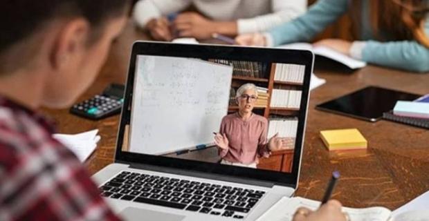 Başkan Büyükakın'dan üniversite öğrencilerine ücretsiz internet