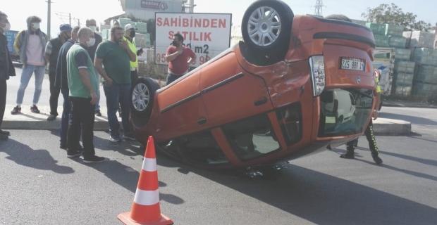 Otomobil tüp kamyonu ile çarpıştı