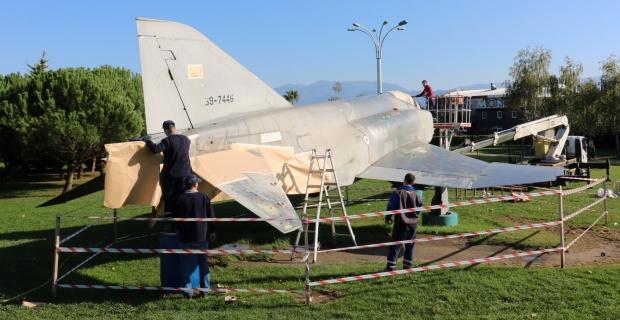 SEKA Park'taki F4 uçağı bakıma alındı