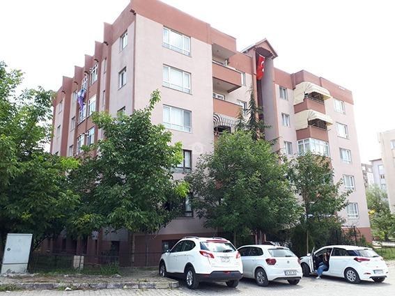 5.kattan atlayan genç kız yaşamını yitirdi
