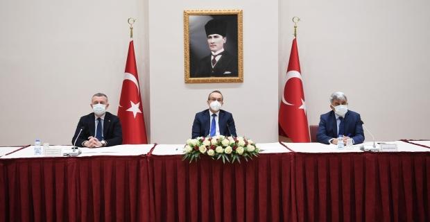 Vali Yavuz başkanlığında, Covid-19 Değerlendirme ve İstişare Toplantısı