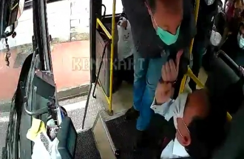 Otobüs sürücüsünü darp eden kişi gözaltına alındı