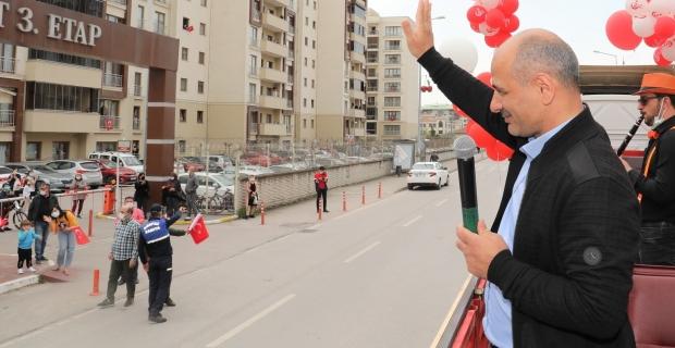 Körfez'de 23 Nisan coşkusu evlere taşındı