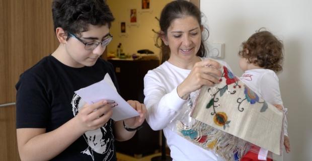 Yurt dışından gelen 23 Nisan çocukları, ailelere emanet