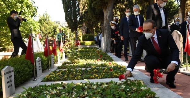 Ramazan Bayramı Arefesinde Şehitliği Ziyaret
