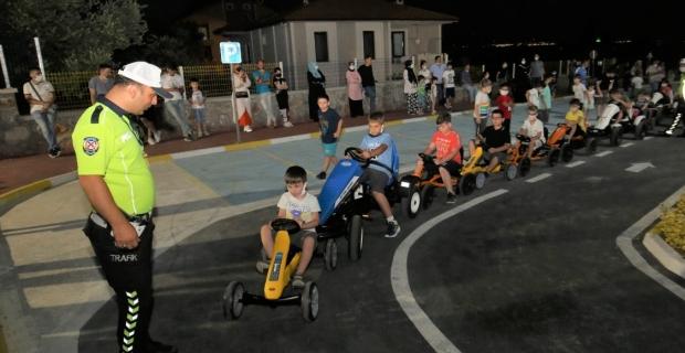Karamürsel'de çocuklara Trafik Eğitimi