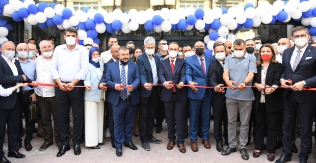 Lastik-İş Sendikası Kocaeli Şube Binası görkemli törenle açıldı
