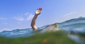 Denize giren kişi boğuldu