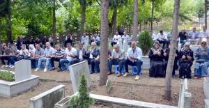 Deprem şehitleri Karamürsel'de de anıldı