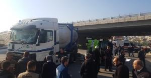 Otogar köprülü kavşağında kaza