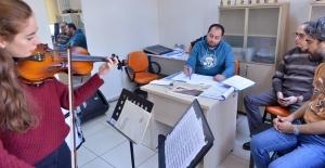 Büyükşehir Konservatuvarı Oda Orkestrası...