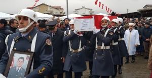 Kartepeli Jandarma Astsubay Fatih Karagöz son yolculuğuna uğurlandı