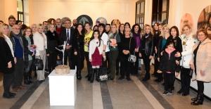 Tarihi Gar'da Kadın temalı sergi