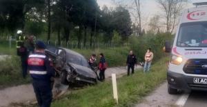 Kandıra yolunda kaza; 2 yaralı