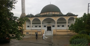 Körfezde 70 camide cuma hazırlığı