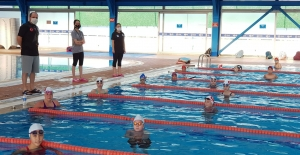 Şampiyon yüzücüler çalışmalarına...