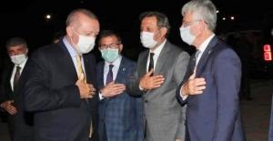 """Ellibeş: """"Yeni olan her şey AK Parti'de"""""""