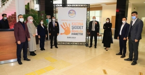"""Körfez Belediyesi, 'Kadına Şiddete Hayır"""" dedi"""
