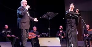 Melihat Gülses ve Hakan Aysev'den; Atatürk'ün Sevdiği Şarkılar