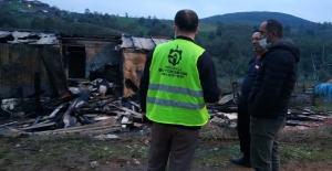 Büyükşehir, evi yanan aileye sahip çıktı