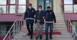 Yakalanınca polislere 1 milyon TL rüşvet teklif etti