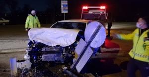 3 araç çarpıştı: 4 yaralı
