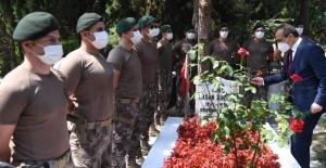 Kurban Bayramı Arefesinde Şehitlikler Ziyaret Edildi