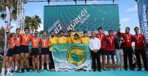 Körfez Kupası Deniz Küreği Yarışları'nda İzmit Sümerspor Farkı
